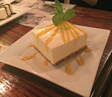Cheesecake with mango sauce